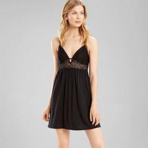 Josie Natori Tile Lily Black Lace Nightgown Size S
